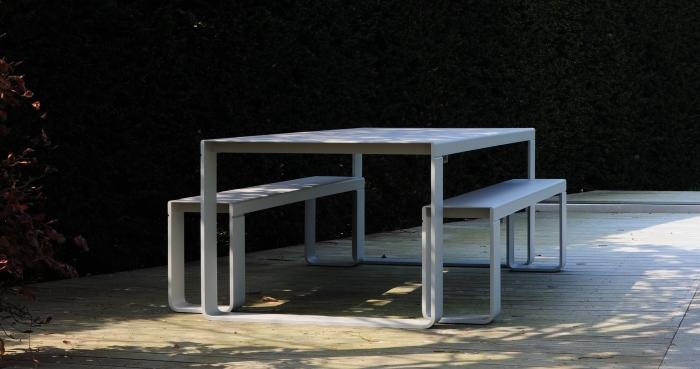 BANDI table blanche jardin