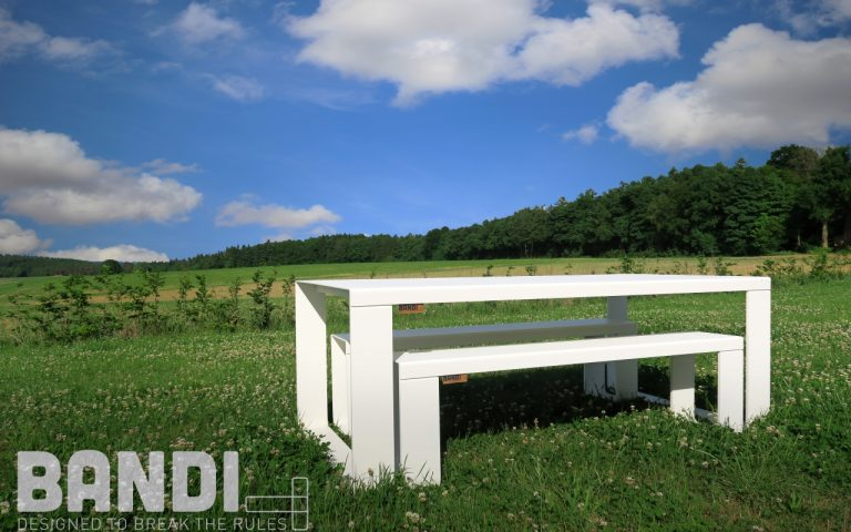 BANDI Table d'extérieur design