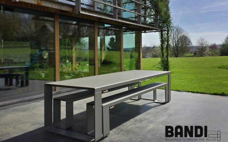 BANDI Table grise pour chalet